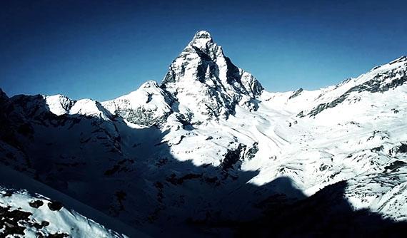 【VIDEO】BALL Watch Engineer Hydrocarbon Arctic Chronometer Matterhorn film